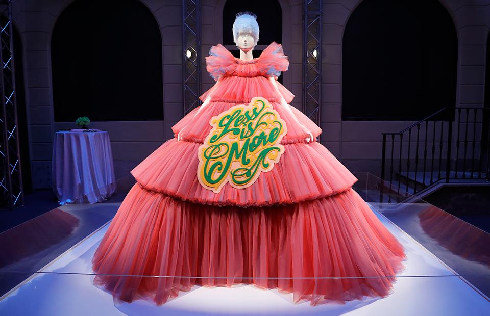 Весенняя выставка Met Gala— 2019 «Кэмп: записки о моде»