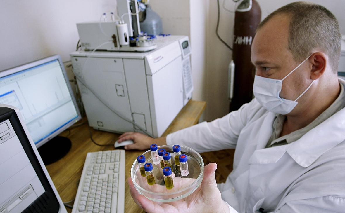 Сотрудник экспертно-криминалистической лаборатории управления наркоконтроля