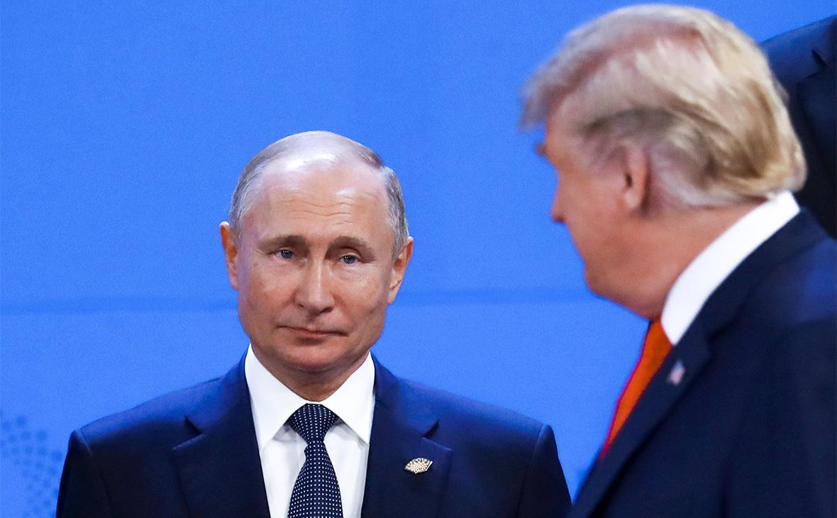 Владимир Путин и Дональд Трамп (справа)