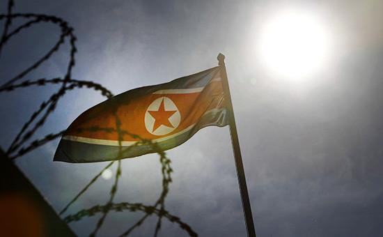 Флаг на посольстве Северной КореивКуала-Лумпуре, Малайзия