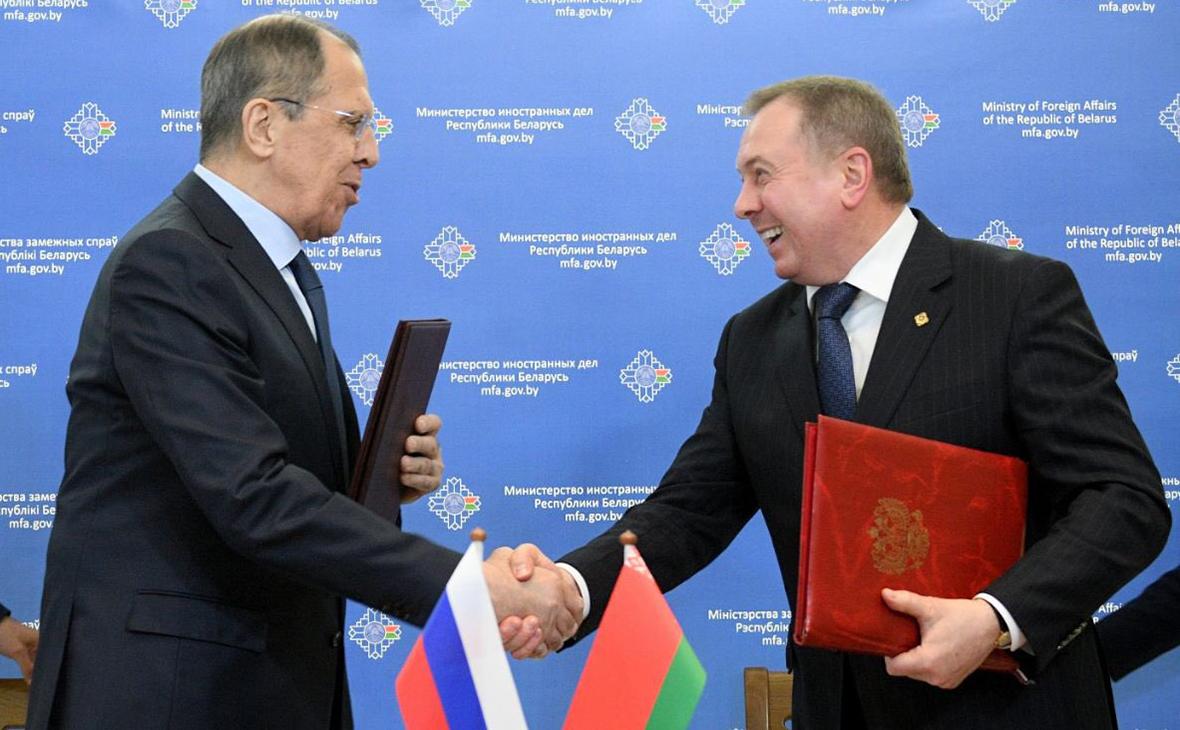 Сергей Лавров и Владимир Макей