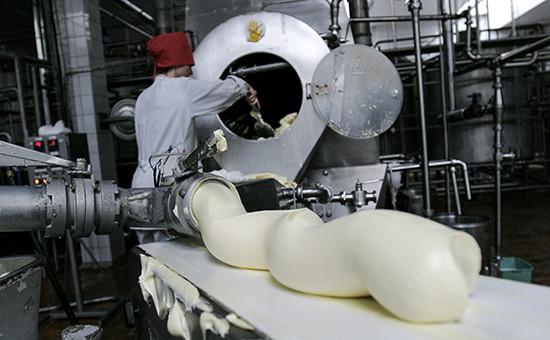 Производство сливочного масла. Сентябрь 2005 года