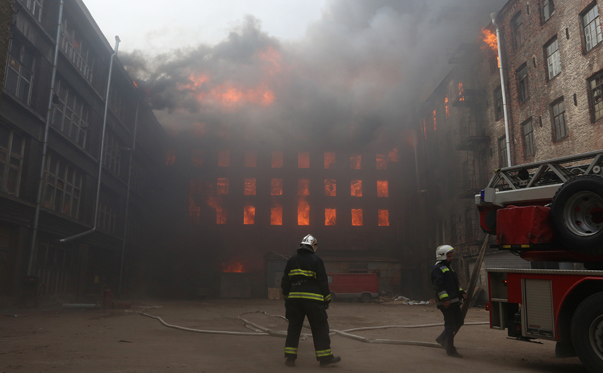 Пожар в здании Невской мануфактуры