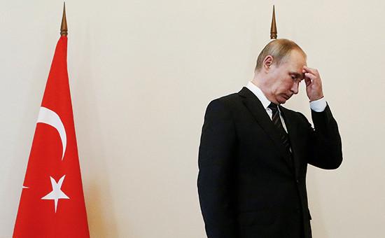 Новость обубийстве вТурции российского посла Андрея Карлова стала для Владимира Путина эмоционально очень тяжелой, сообщил пресс-секретарь президента Дмитрий Песков