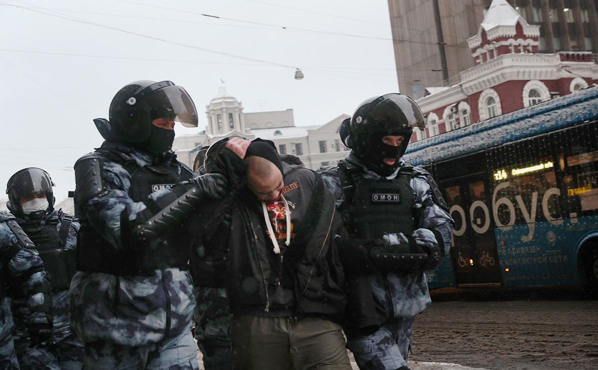 Правозащитники сообщили о 5 тыс. задержанных на акциях 31 января