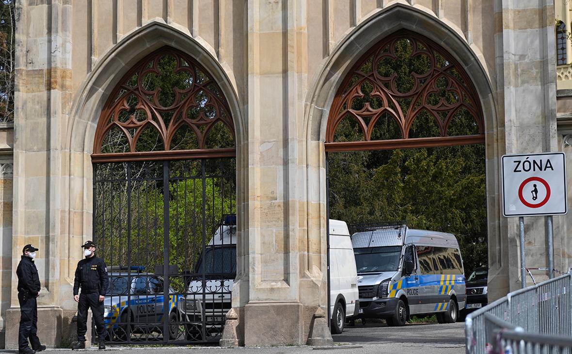 Усиленная охрана посольства Российской Федерации в Праге