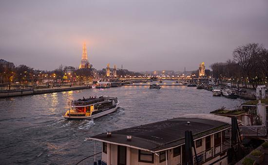 Несмотря на ноябрьские теракты в Париже, число туристов, посетивших Францию в 2015 году, значительно превосходит показатели предыдущего года