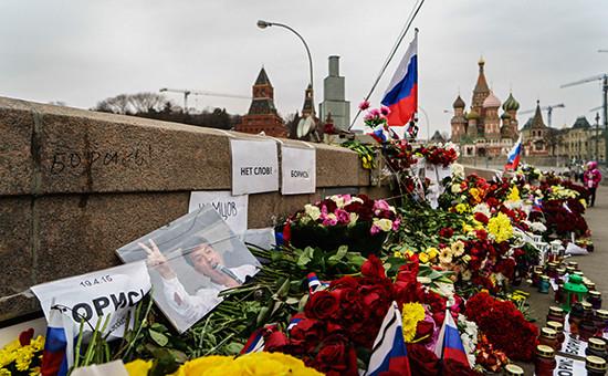 Место убийства Бориса Немцова на Большом Москворецком мосту. Архивное фото