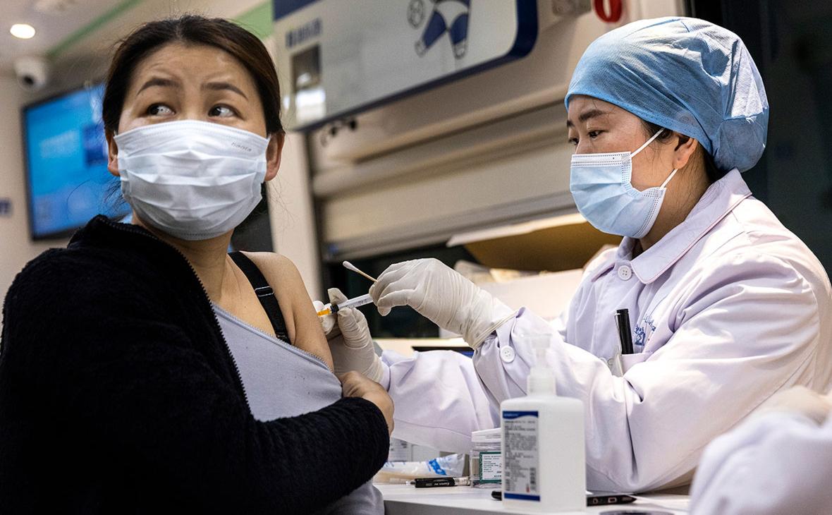 ВОЗ одобрила вторую китайскую вакцину от коронавируса