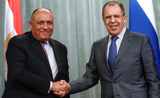 Министр иностранных дел Египта Самех Шукри и министр иностранных дел России Сергей Лавров (слева направо) во время пресс-конференции по итогам встречи в Москве