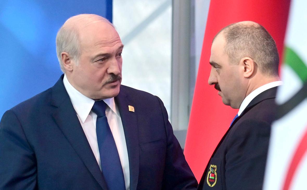 Александр Лукашенко и ВикторЛукашенко