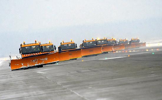 Снегоуборочная техника в аэропортах работает в усиленном режиме