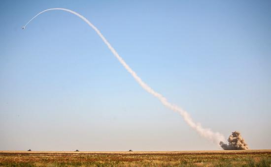 Зенитно-ракетный комплекс «Бук» стреляет повоздушным мишеням вовремя тактических учений. Архивное фото