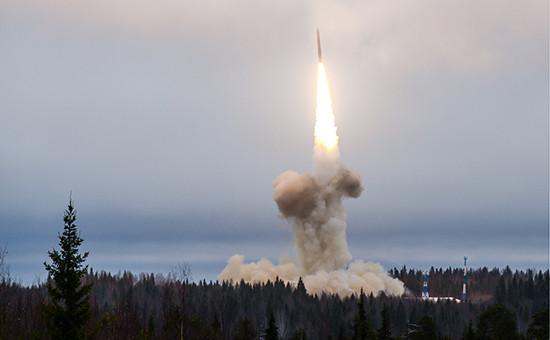 Запуск межконтинентальной баллистической ракеты шахтного базирования комплекса «Тополь-М» накосмодроме Плесецк. Ноябрь 2014 года