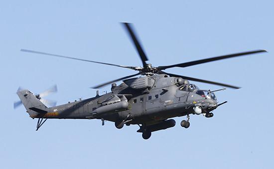 Вертолет Ми-35М вовремя авиашоу, июль 2014 года