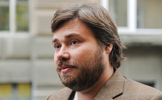 Константин Малофеев перед допросом по делу о кредите ВТБ у Следственного департамента МВД РФ
