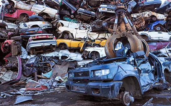 Полигон утилизации вышедших из эксплуатации транспортных средств в Санкт-Петербурге. Архивное фото