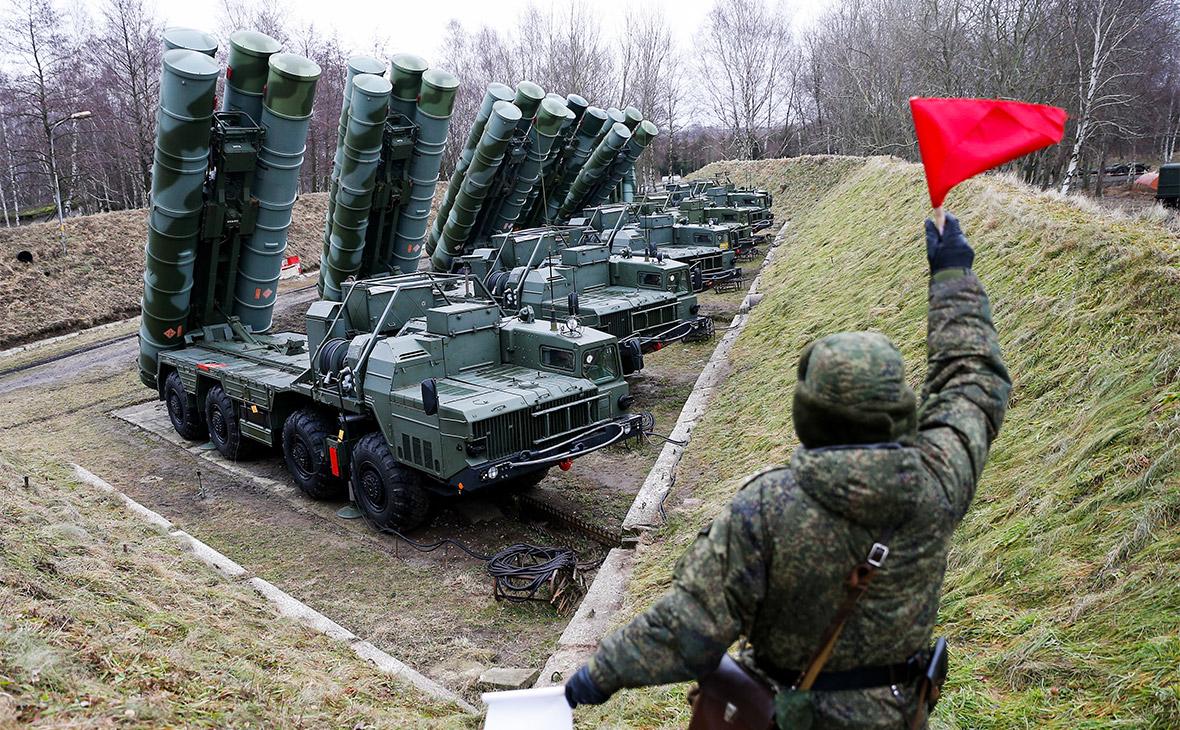 Боевые расчеты зенитных ракетных комплексов С-400 «Триумф»