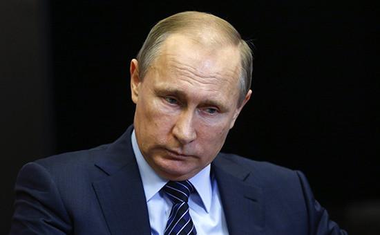 Президент России Владимир Путин вовремя переговоров скоролем Иорданского Хашимитского королевства Абдаллой II Бен Аль Хусейном врезиденции «Бочаров ручей» повопросам урегулирования конфликта вСирии, 24 ноября 2015 года
