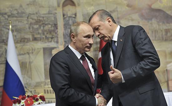 Президент России Владимир Путин и премьер-министр Турции Реджеп Тайип Эрдоган (слева направо) во время совместной пресс-конференции по итогам заседания российско-турецкого Совета сотрудничества высшего уровня, 3 декабря 2012г.