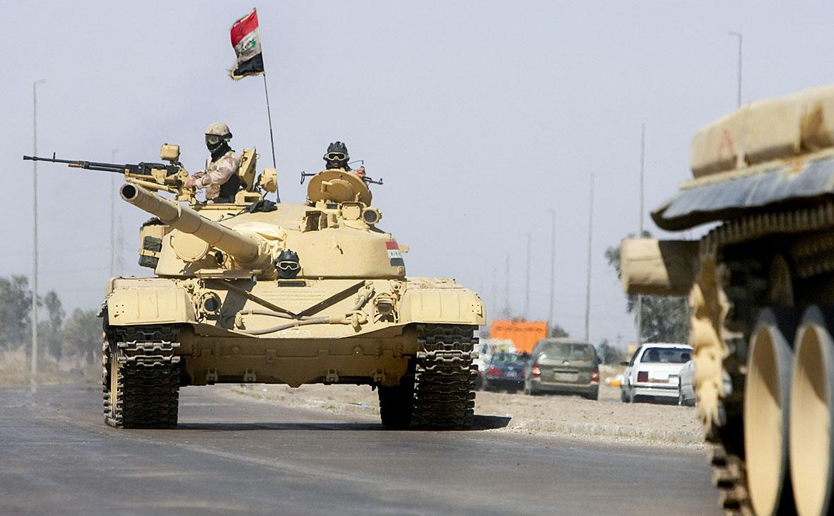 Иракские солдаты в окрестностях базыЭт-Таджи
