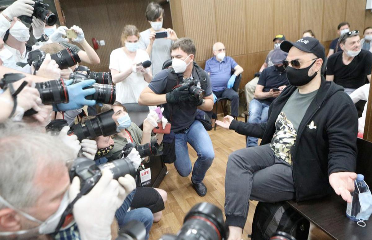 Кирилл Серебренников в здании суда в день оглашения приговора по делу «Седьмой студии», 26 июня 2020