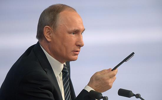 Президент РФ Владимир Путин во время пресс-конференции