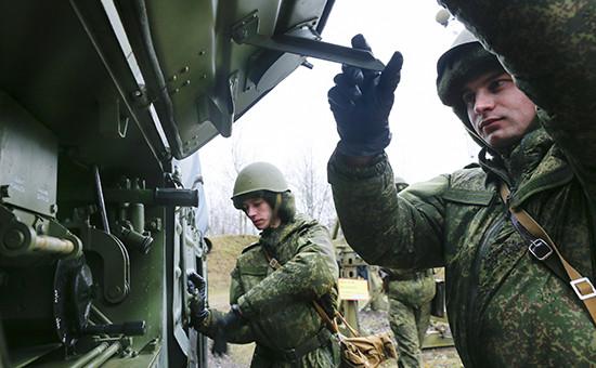 Учение Балтийского флота с расчетами зенитно-ракетных комплексов С-300 соединения ПВО. Архивное фото