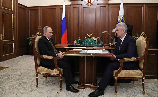 21 февраля 2017. Президент России Владимир Путин и мэр Москвы Сергей Собянин (слева направо) во время встречи в Кремле