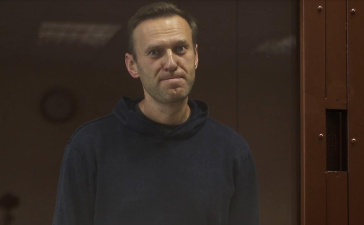 Как прошел первый день процесса о клевете Навального на ветерана