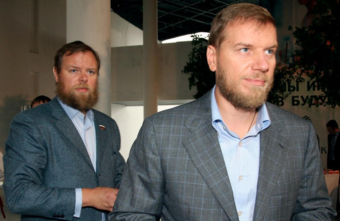 Дмитрий (слева) иАлексейАнаньевы. 2009 год
