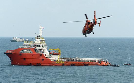 Поисково-спасательное судно Crest Onyx на месте операции