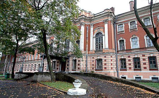 Здание442-ого окружного военного клинического госпиталя имени З.П. Соловьева