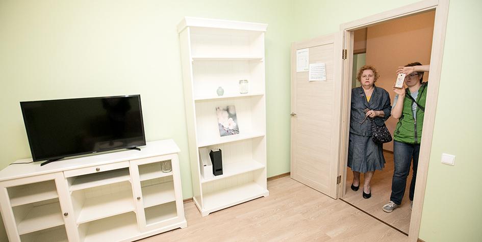 Пример отделки комнаты в макете типовых домов по программе реновации, которые планируется построить вместо пятиэтажек, подлежащих сносу. Проект мэрии Москвы представлен в одном из павильонов ВДНХ в рамках Московского урбанистического форума — 2017
