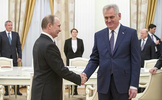 Президент России Владимир Путин и его коллега из СербииТомислав Николич во время встречи в Кремле