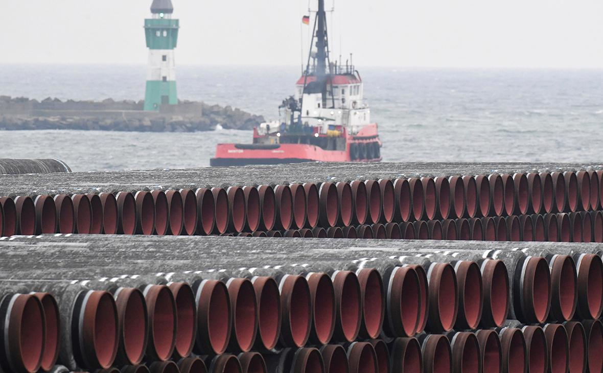 Трубы для газопровода «Северный поток-2» в порту Мукран