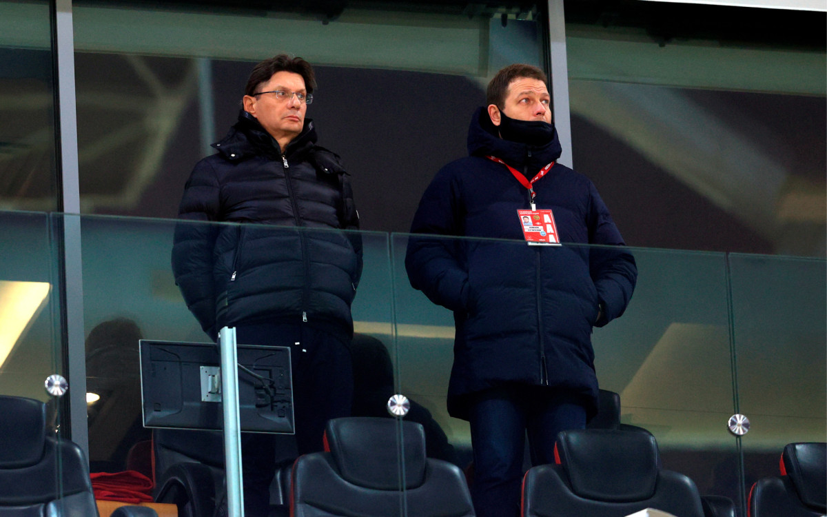 Леонид Федун (слева)