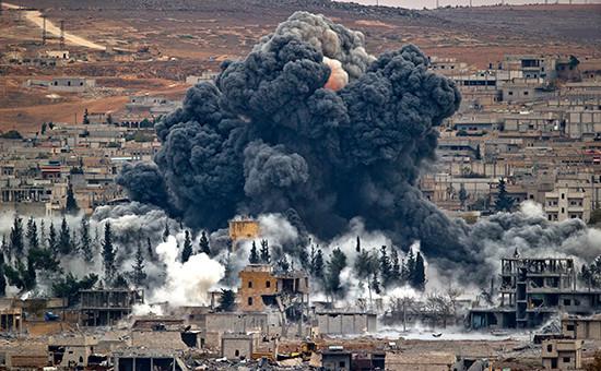 Последствия авиаудара вКобани, Сирия, ноябрь 2014 года