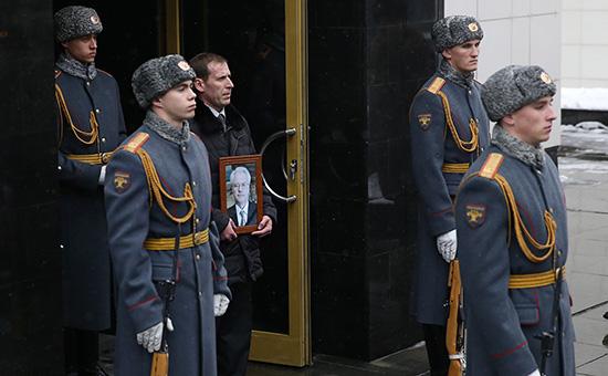 Церемония прощания сВиталием Чуркиным вМоскве