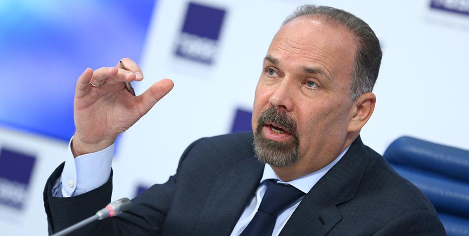 Министр строительства и ЖКХ РФ Михаил Мень