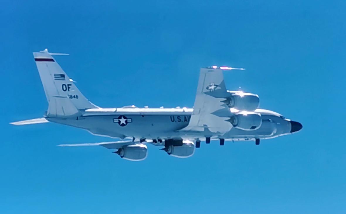 Самолет-разведчик RC-135 ВВС