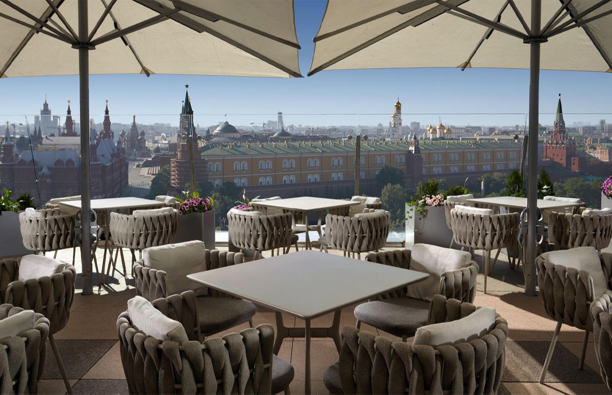 С террасы ресторана O2 Lounge открывается вид на Кремль