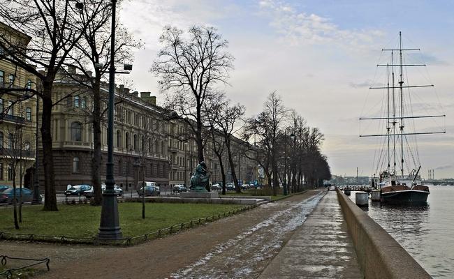 Дворец князя Михаила Романова на Адмиралтейской набережной в Санкт-Петербурге