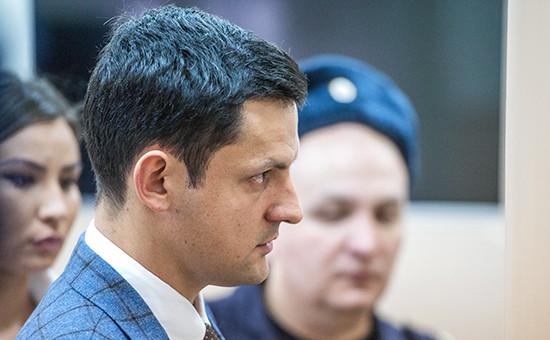 Адвокат экс-главы Республики Коми Вячеслава Гайзера Вячеслав Леонтьев в Басманном суде Москвы, ноябрь 2015 года