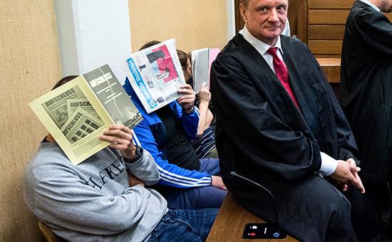 Судебное заседание поделу российских футбольных болельщиков, задержанных задраку сиспанскими туристами, вКельне