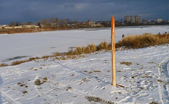 Деревянный кол, установленный Владиславом Гультяевым