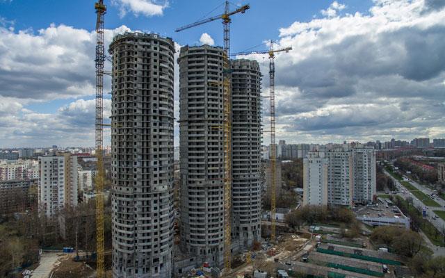 Незавершенное строительство жилых домов компании СУ-155 в Москве