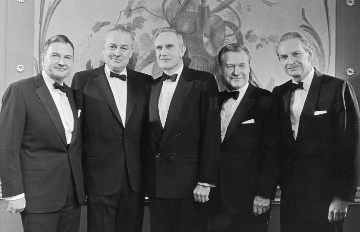 Члены семьи Рокфеллер: Дэвид,Уинтроп, Джон Д. Рокфеллер III, Нельсон и Лоранс