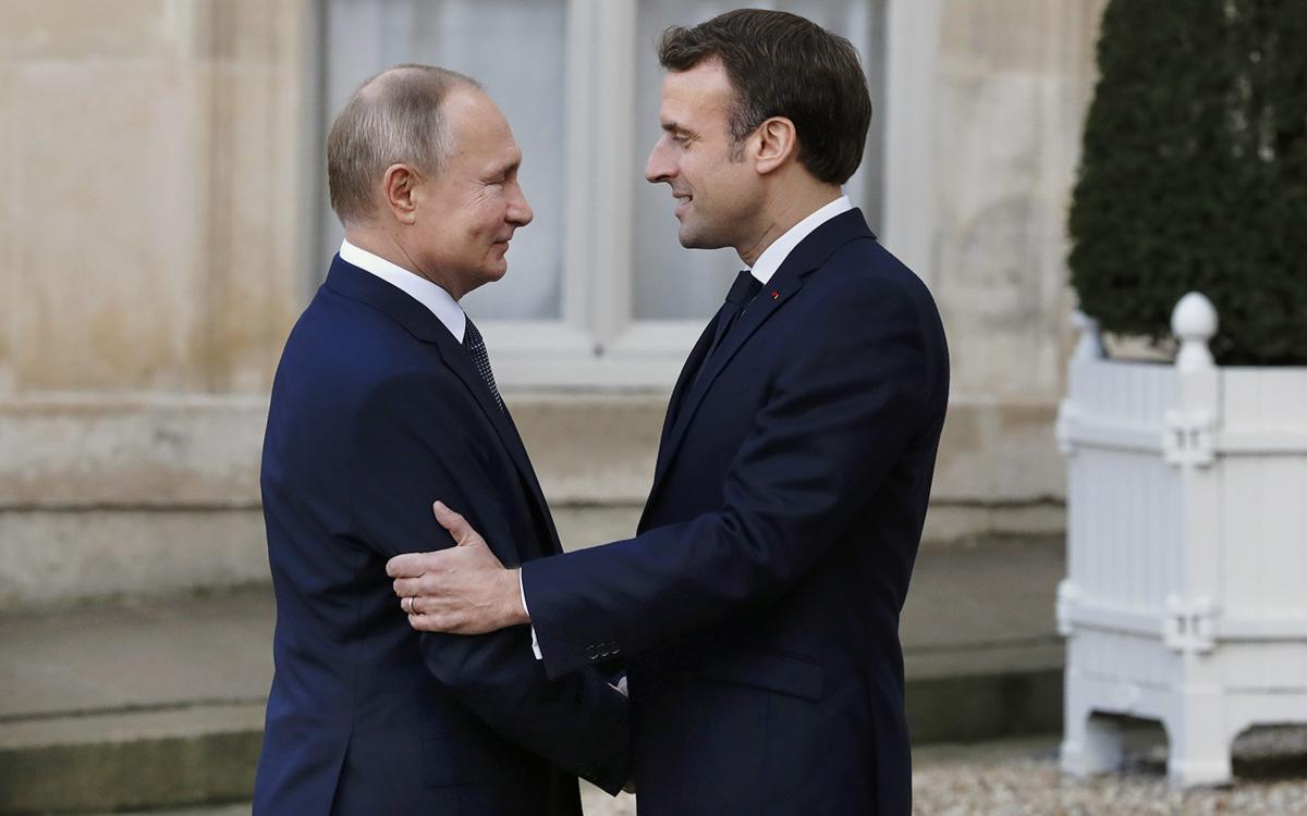 Владимир Путин иЭмманюэль Макрон