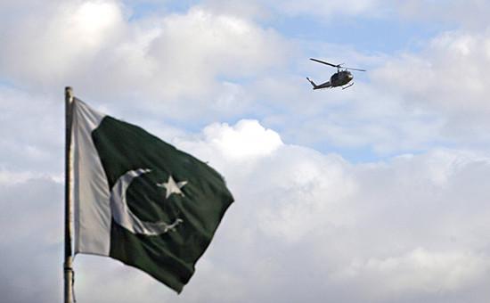 Шесть членов экипажа правительственного вертолета были освобождены и прибыли в Исламабад